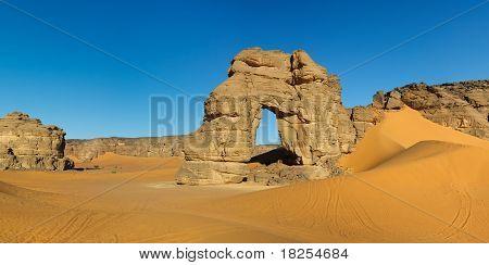 Forzhaga Arch - Natural Rock Arch - Akakus (acacus) Mountains, Sahara, Libya