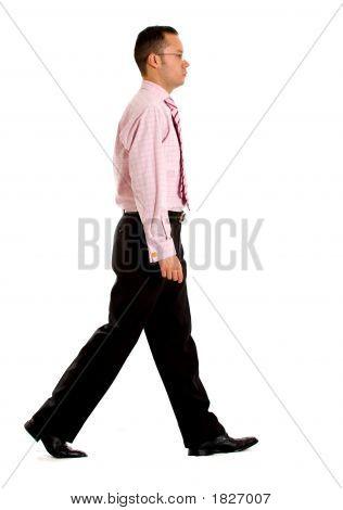 Geschäftsmann zu Fuß