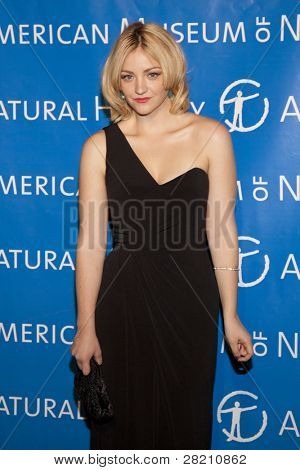 NEW YORK - NOV 10: Saturday Night Live cast member Abby Elliott attends the American Museum of Natural History's  2011 Gala on November 10, 2011 in New York City, NY.