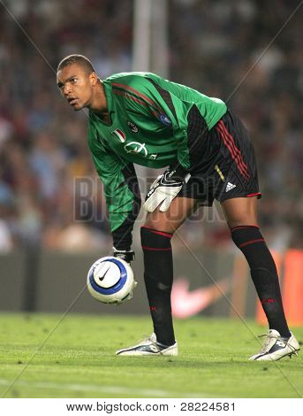 BARCELONA - AUG 26: AC Milan goalkeeper Dida during a friendly match between FC Barcelona and AC Milan at the Nou Camp Stadium on August 26, 2004 in Barcelona, Spain.