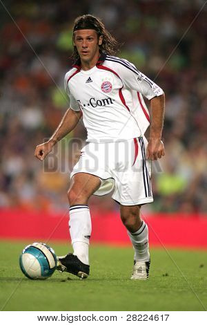 BARCELONA - AUG 22: Argentinian player Martin Demichelis during a friendly match between Bayern Munich and FC Barcelona at the Nou Camp Stadium on August 22, 2006 in Barcelona, Spain.