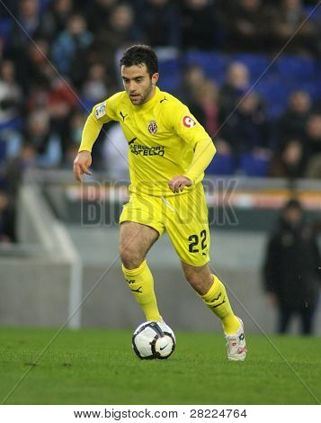BARCELONA - MARCH 7: Giuseppe Rossi  of Villareal during a Spanish League match between Espanyol and Villareal at the Estadi Cornella on March 7, 2010 in Barcelona, Spain