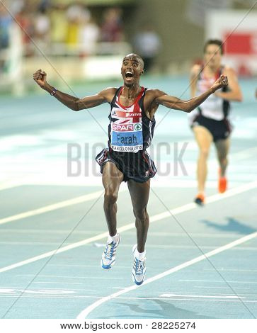 BARCELONA, SPAIN - JULY 27: Mo Farah of Great Britain winning the Men 10000m final during the 20th European Athletics Championships at the Olympic Stadium on July 27, 2010 in Barcelona, Spain