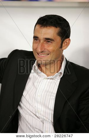 BARCELONA - AUG 16: Ernesto Valverde of Espanyol during a friendly match between Espanyol and Olympiacos at the Olympic Stadium on AUGUST 16, 2007 in Barcelona, Spain