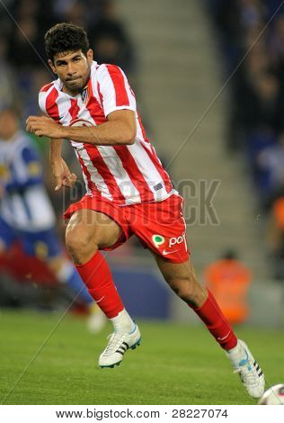 BARCELONA - APRIL 17: Diego Costa of Atletico Madrid in action during a Spanish League match between Espanyol and Atletico Madrid at the Estadi Cornella on April 17, 2011 in Barcelona, Spain