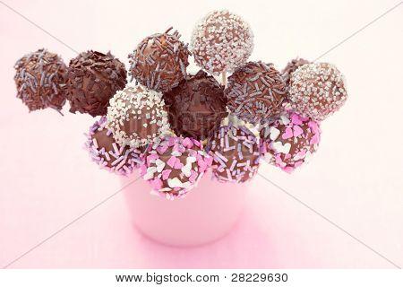 delicioso pastel de chocolate pops - dulces