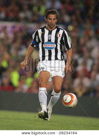 BARCELONA - AUG. 24: Italian player Alessandro Del Piero in action during friendly match between Barcelona and Juventus at Nou Camp Stadium August 24, 2005 in Barcelona, Spain.