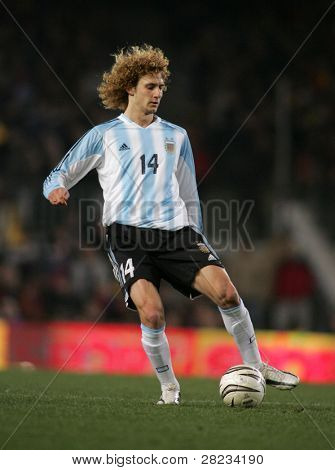 BARCELONA - DEC. 29: Argentinian player Fabricio Coloccini in action during the friendly match between Catalonia and Argentina at Nou Camp Stadium December 29, 2004 in Barcelona, Spain.