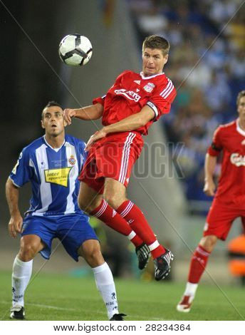 BARCELONA - AUGUST 2: Steven Gerrard of Liverpool FC in action during a friendly match against RCD Espanyol at the Estadi Cornella-El Prat on August 2, 2009 in Barcelona, Spain.
