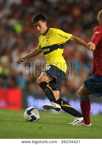 BARCELONA - AUGUST 16: Boca Juniors striker Osvaldo Gaitan during the match Trophy J. Gamper between Barcelona and Boca Juniors at Nou Camp Stadium on August 19, 2008 in Barcelona, Spain.