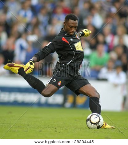 BARCELONA - OCTOBER 18: Carlos Kameni, a Cameroonian in action during a Spanish league match against Tenerife at the Estadi Cornella-El Prat on October 18, 2009 in Barcelona, Spain.