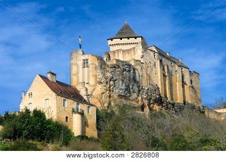 Castelo de Castelnaud La Chapelle em Dordogna