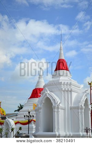 Thai White Pagoda