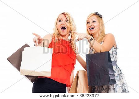 ekstatische Frauen einkaufen