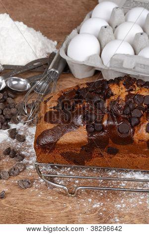 Bolo com pepitas de chocolate com manteiga ingredientes
