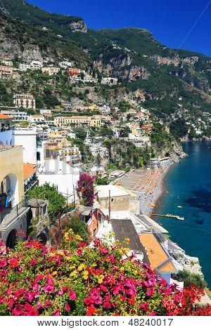 Positano Resort sobre el Amalfi Coast, Italia, Europa