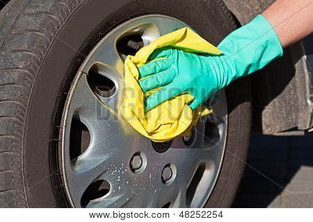 Car Wheel Cleaning