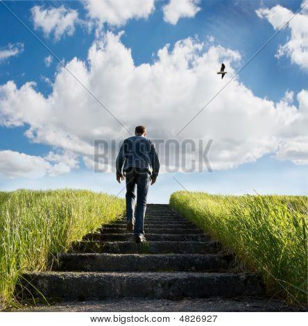Escada em céu azul