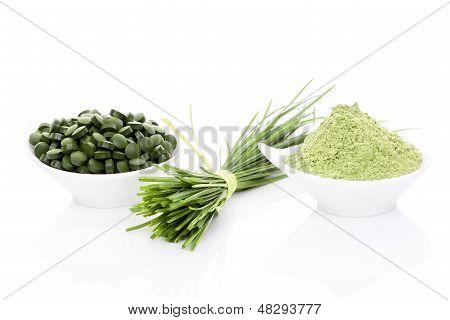 Wheatgrass, Clorella y Espirulina.