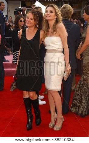 Dedee Pfeiffer and Michelle Pfeiffer at the Los Angeles premiere of