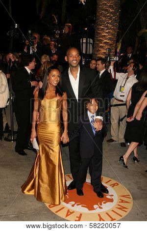 Jada Pinkett Smith with Will Smith and Jaden Smith at the 2007 Vanity Fair Oscar Party. Mortons, West Hollywood, CA. 02-25-07