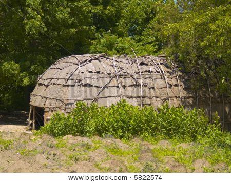 Wampanoag Hut