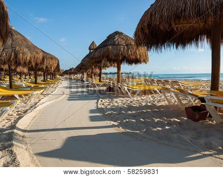 Lonely Resort Beach In Cancun