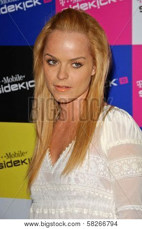 Taryn Manning at the launch of T-Mobile Sidekick ID, T-Mobile Sidekick Lot, Hollywood, CA. 04-13-07