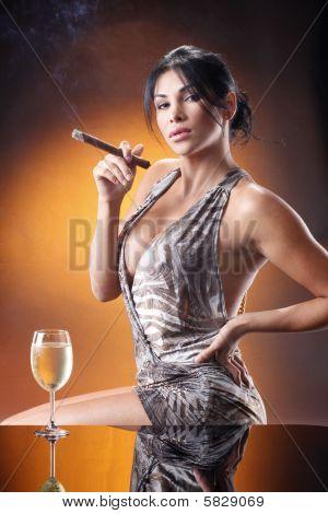 Havana cigar girl