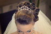 picture of birthmark  - The Beautiful hairdress for the european bride - JPG