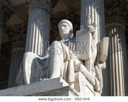 Bundesgericht statue