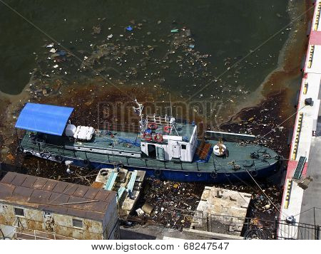 pollution of the sea