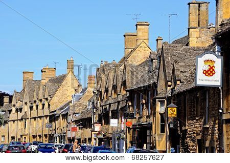 High Street, Chipping Campden.
