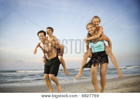 Familie am Strand