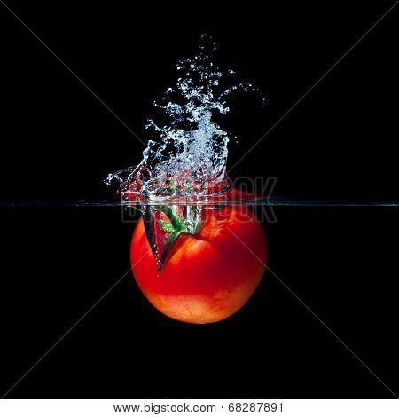 high speed photography tomato splash in water