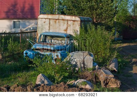 Old derelict truck.