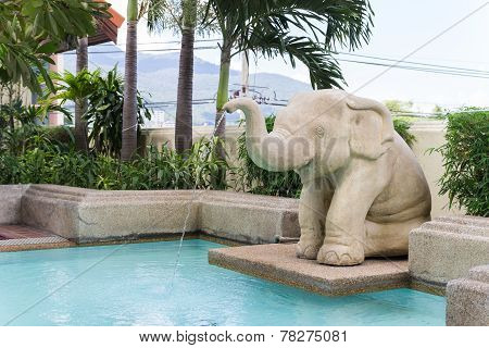 Elephant Statue Spout Ing Water