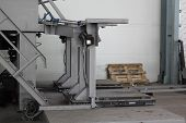 picture of dispenser  - a device for dispensing packing and weighing grinding balls - JPG