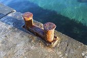 picture of bollard  - the big old Bollard on a moorage - JPG