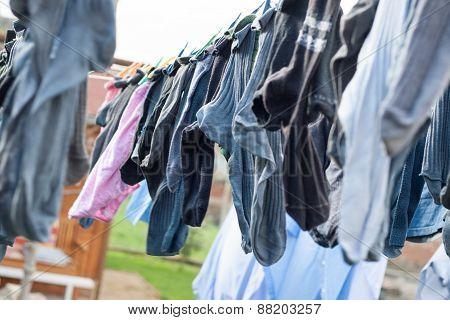 wawing laundry outside