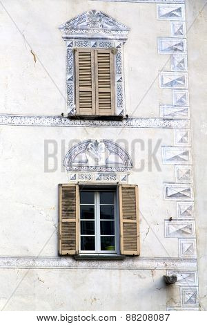 Terrace Europe  Italy  Lombardy       In  The Milano Old    Grate
