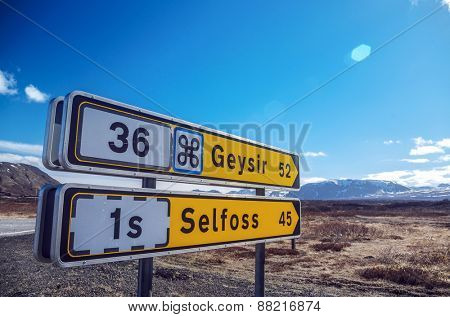 Roadsigns in Iceland