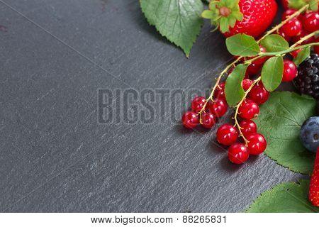pile  of  fresh berries