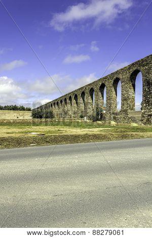Água De Prata Aqueduct (aqueduct Of Silver Water) In Évora, Portugal