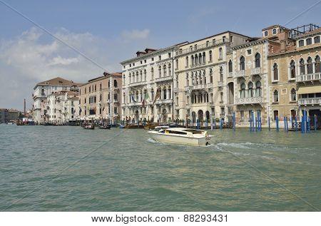 Venetian Taxi