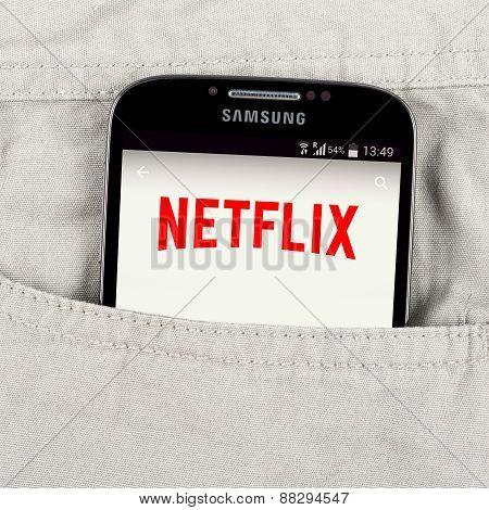 Netflix application on the Samsung galaxy display
