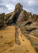 picture of loam  - In a flysch layers of hard rocks  - JPG