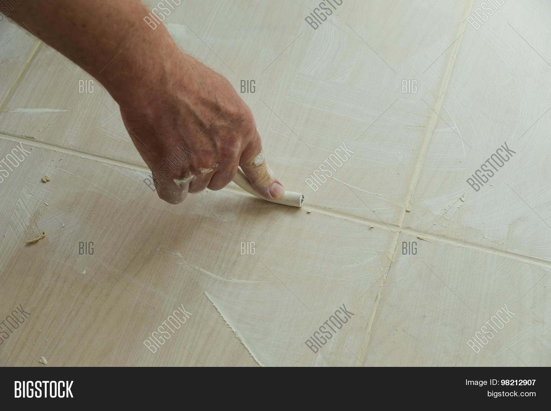 Fliesen reinigen vor verfugen