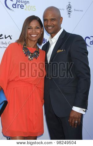 LOS ANGELES - AUG 8:  Salli Richardson Whitfield, Dondre T Whitfield at the 17th Annual HollyRod Designcare Gala at the The Lot on August 8, 2015 in West Hollywood, CA