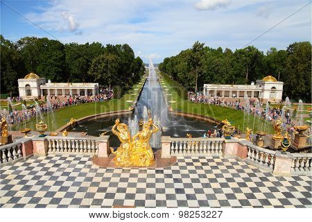 Grand Cascade At Pertergof Palace.saint-petersburg, Russia